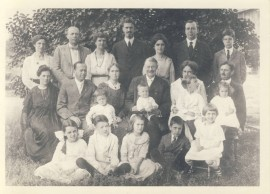 Joseph and Ida Corley surrounded by their children and grand-children, probably around 1918-19.